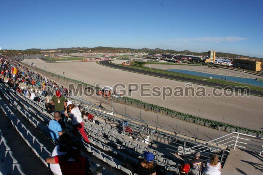 Circuito Valencia : Tribuna blanca circuito cheste gp valencia motogp españa